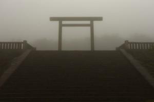 雨の古宮址