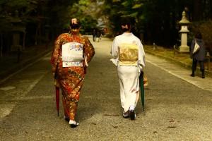 和服で参拝、ぶらり霧島神宮。11月28日のお客様