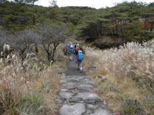 霧島連山トレッキングイベント三湖めぐりと白鳥山(10月31日)