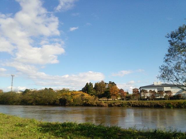 天降川(あもりがわ)ふるさとの川河川公園から…