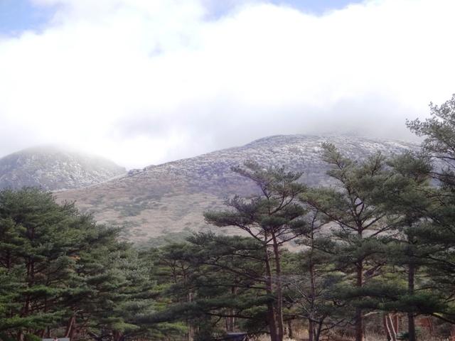 韓国岳 初冠雪~☆