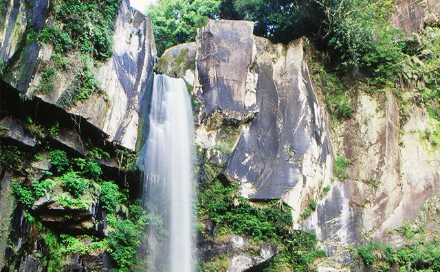Inukai-No-Taki Falls