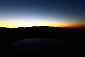大浪池 冬のモルゲンロート