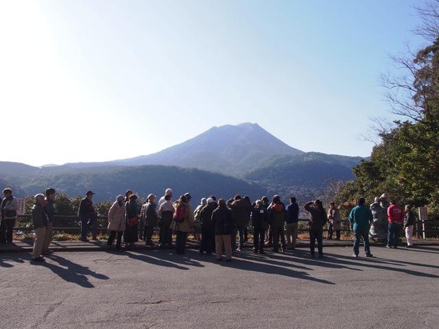日帰りバスツアー「きりしまジオサイト巡り第3弾 北霧島小林の神秘 2万年前からの霧島山の成り立ち」を開催しました