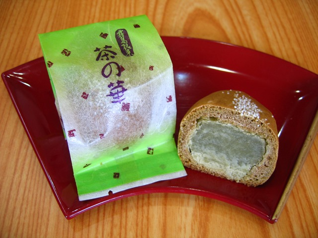 本日の霧島茶を使用したお菓子はこちら!!