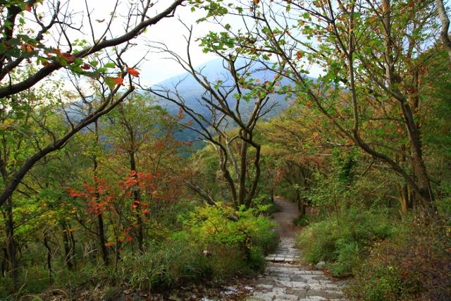 秋晴れの高千穂峰