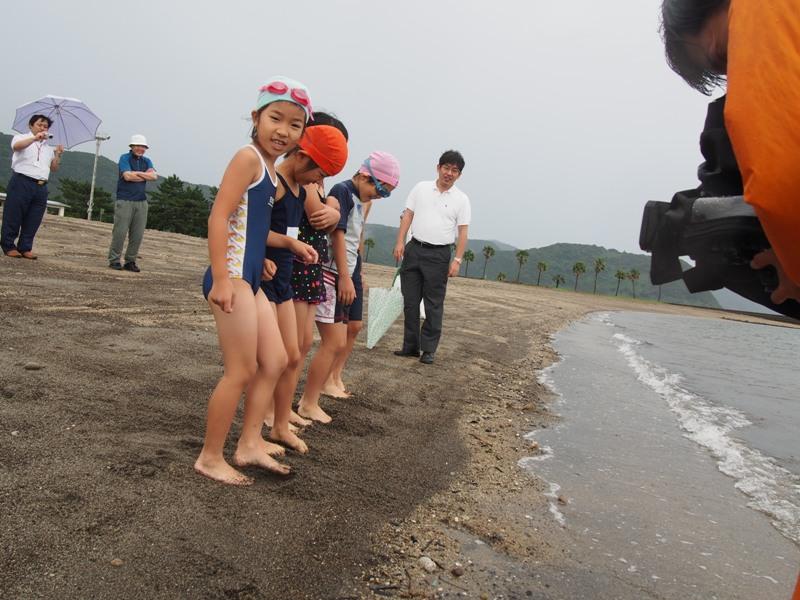 国分キャンプ海水浴場の海開きが行われました♪