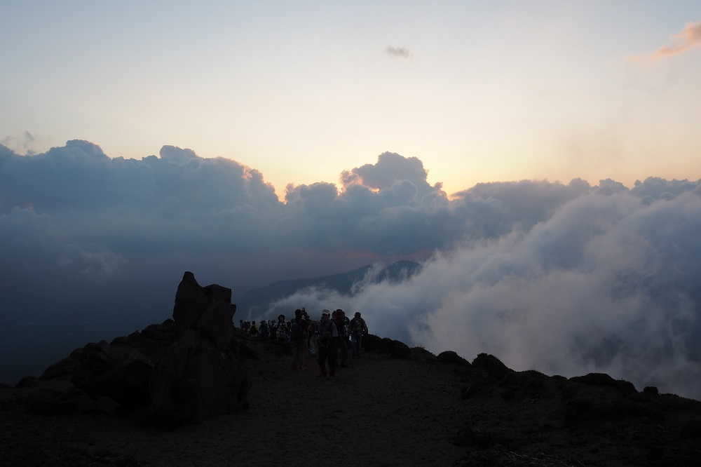 第4回中秋の名月高千穂峰満月登山を開催しました