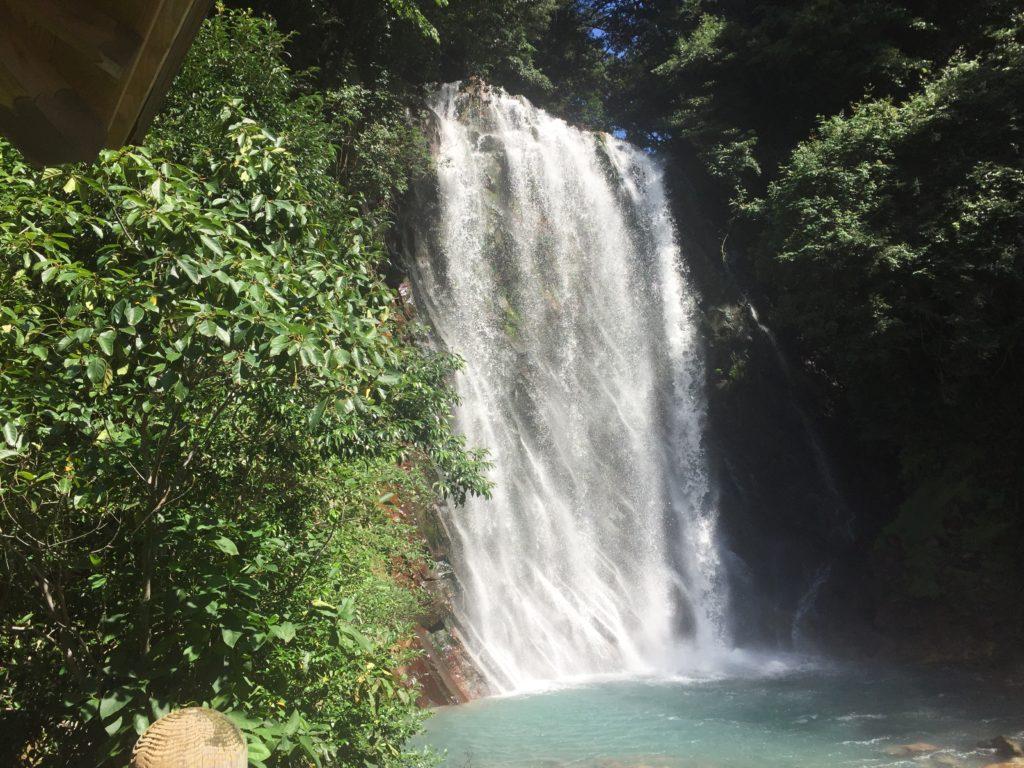 丸尾の滝でマイナスイオンをたっぷり浴びてきました。